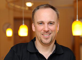 Dr. med. dent. Oliver Jens Lang